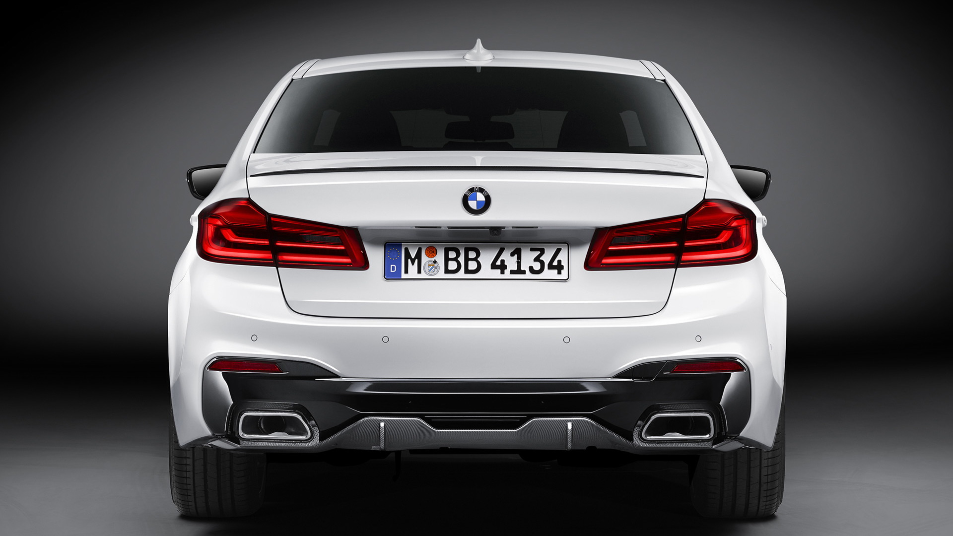 2017 BMW 5-Series equipped with M Performance parts