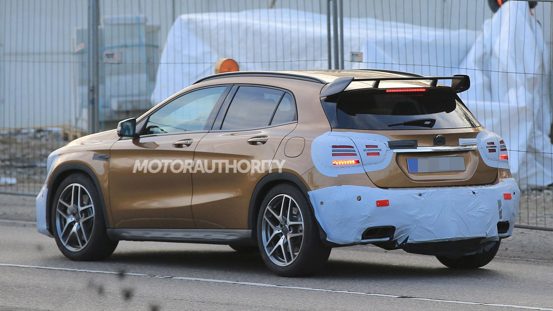 2018 Mercedes-AMG GLA45 spy shots - S. Baldauf/SB-Medien