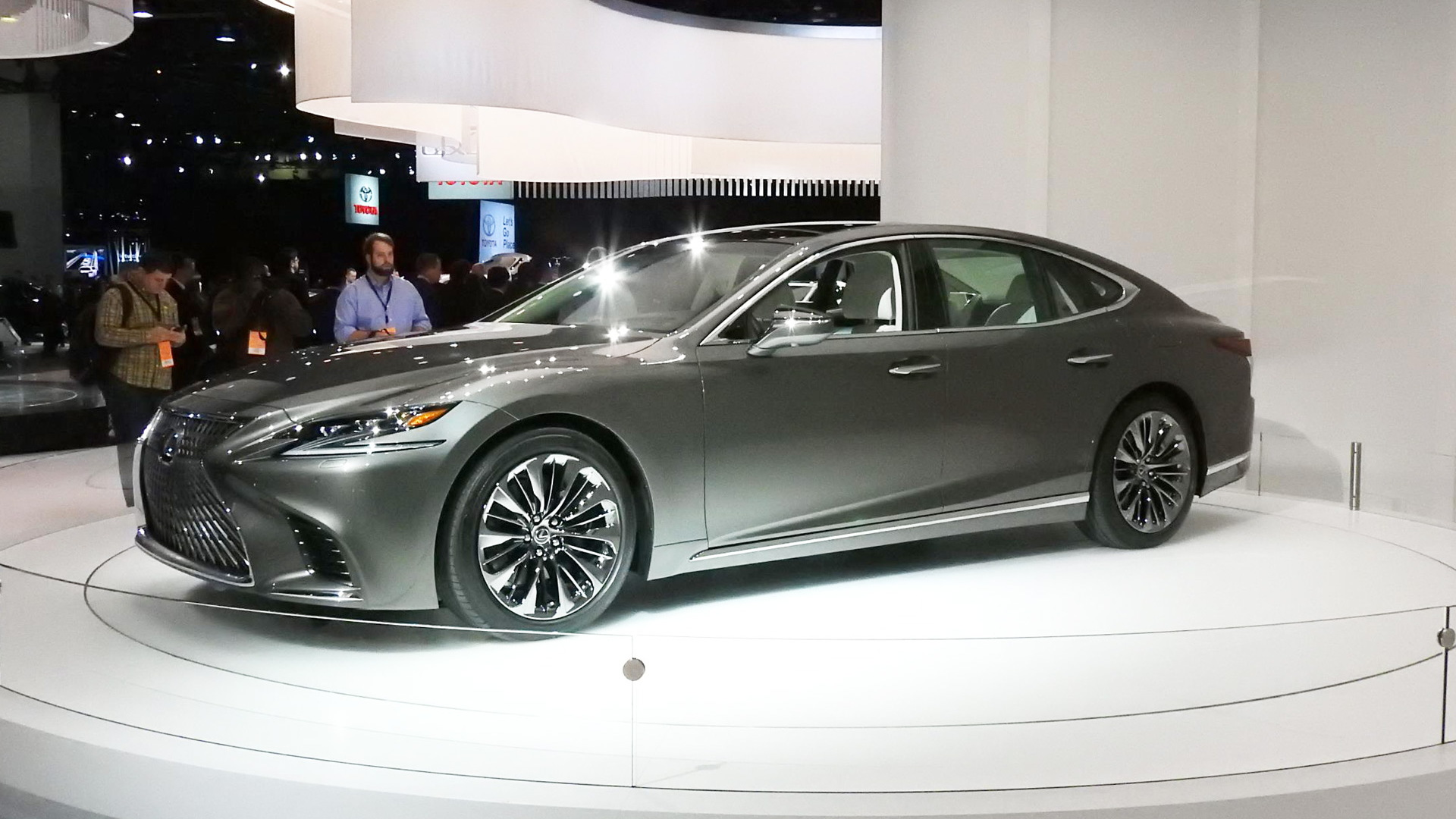 2018 Lexus LS, 2017 Detroit auto show