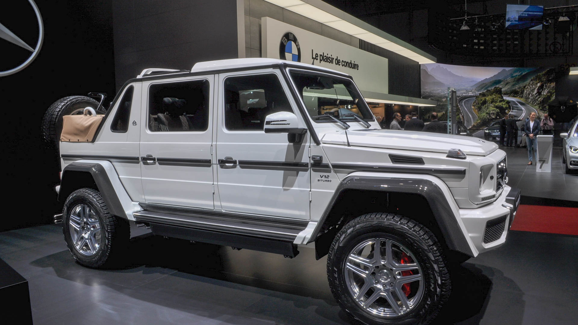 Mercedes Maybach G650 Price >> Mercedes Maybach G650 Landaulet Revealed Limited To 99 Units