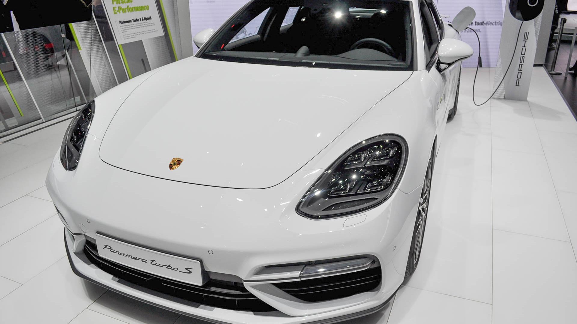 2018 Porsche Panamera Turbo S E-Hybrid, 2017 Geneva auto show