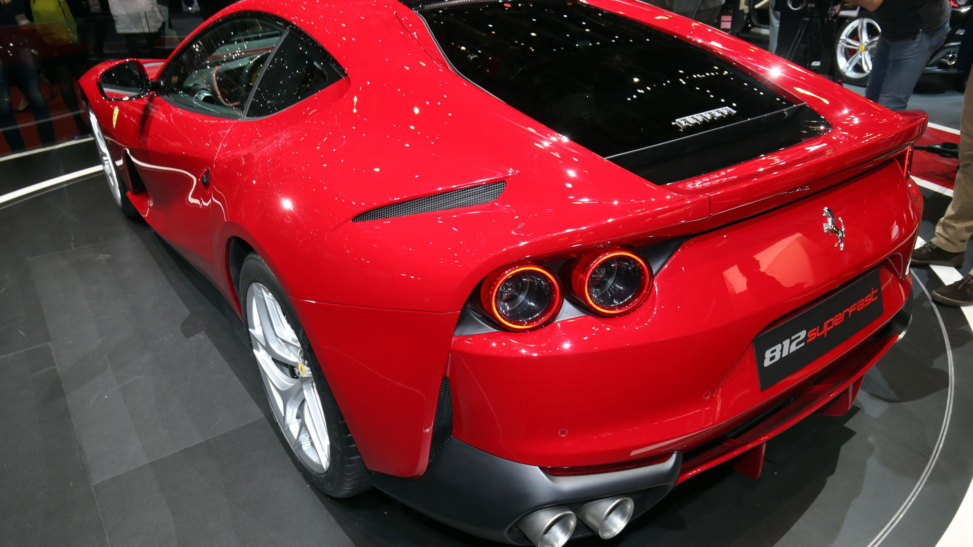 Ferrari 812 Superfast, 2017 Geneva auto show