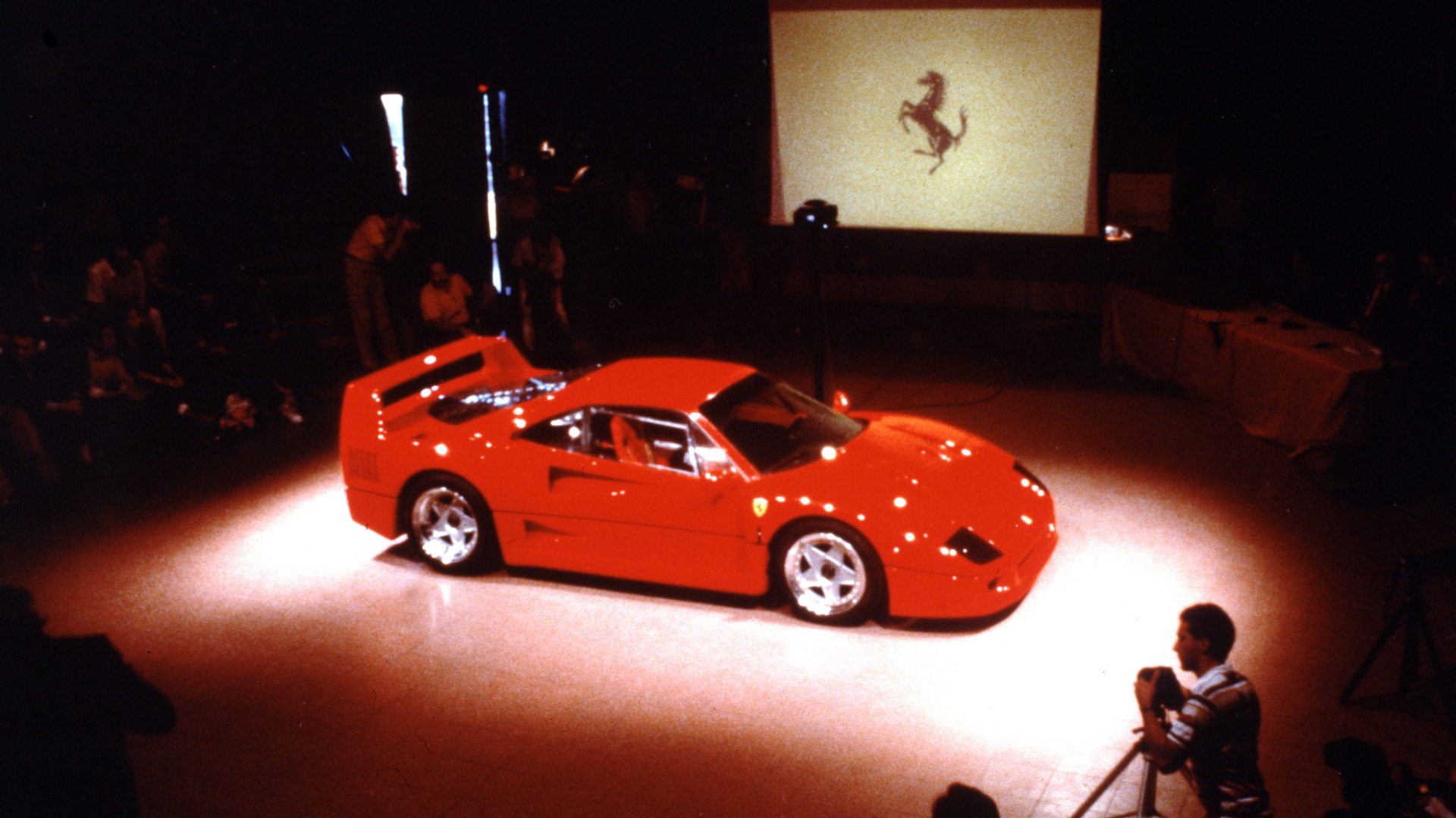 Celebrate 30 Years Of The Ferrari F40 With These Rare Photos From The Car S Debut