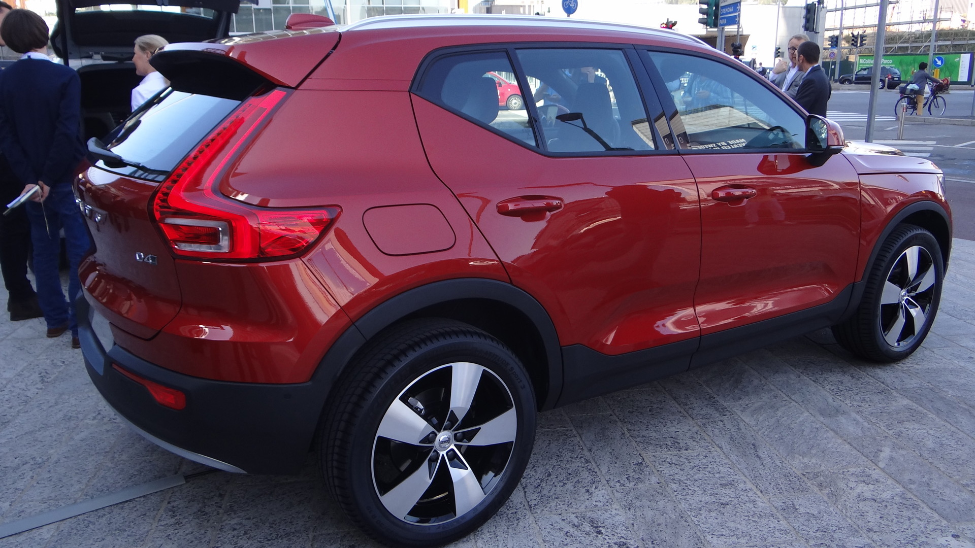 2019 volvo xc40 small suv to become brand u0026 39 s first electric car