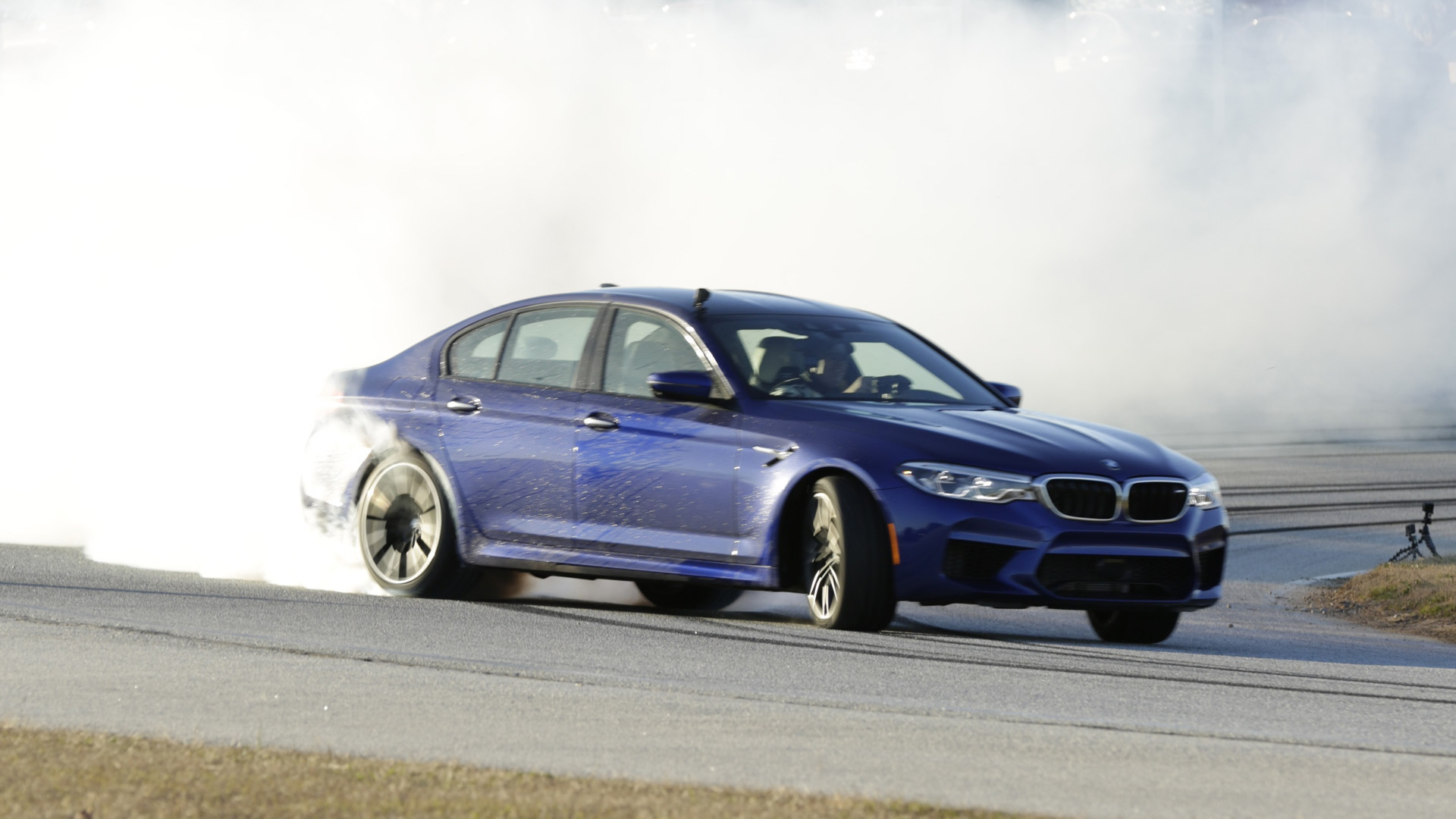2018 BMW M5 refueling during longest continuous vehicle drift attempt