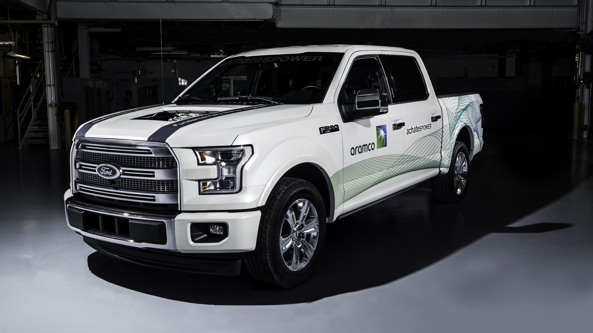 Achates 2.7-liter opposed-piston gasoline compression-igntion engine in Ford F-150 test pickup truck