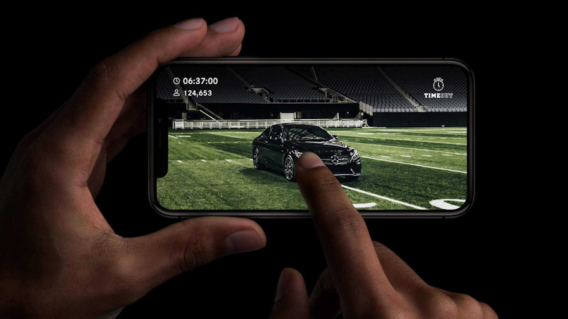 Mercedes-Benz Last Fan Standing competition for Super Bowl 52