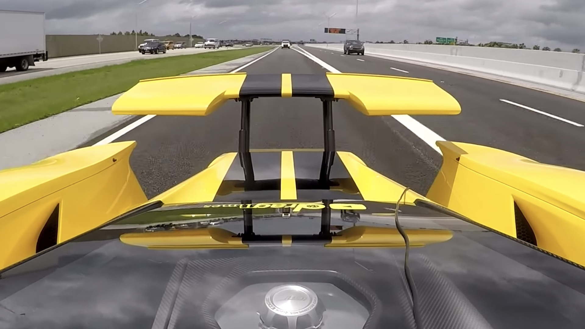 Ford GT active aero rear wing video