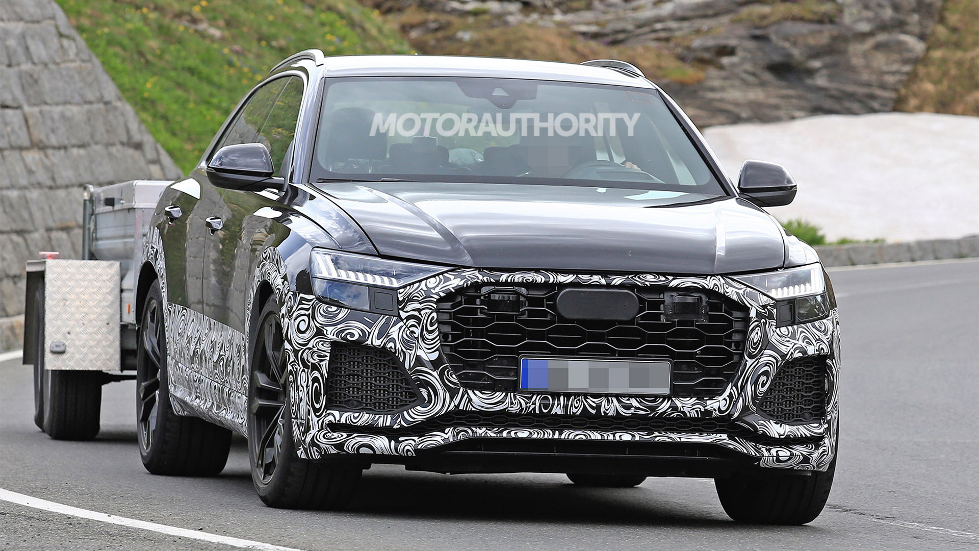 2020 Audi RS Q8 spy shots - Image via S. Baldauf/SB-Medien