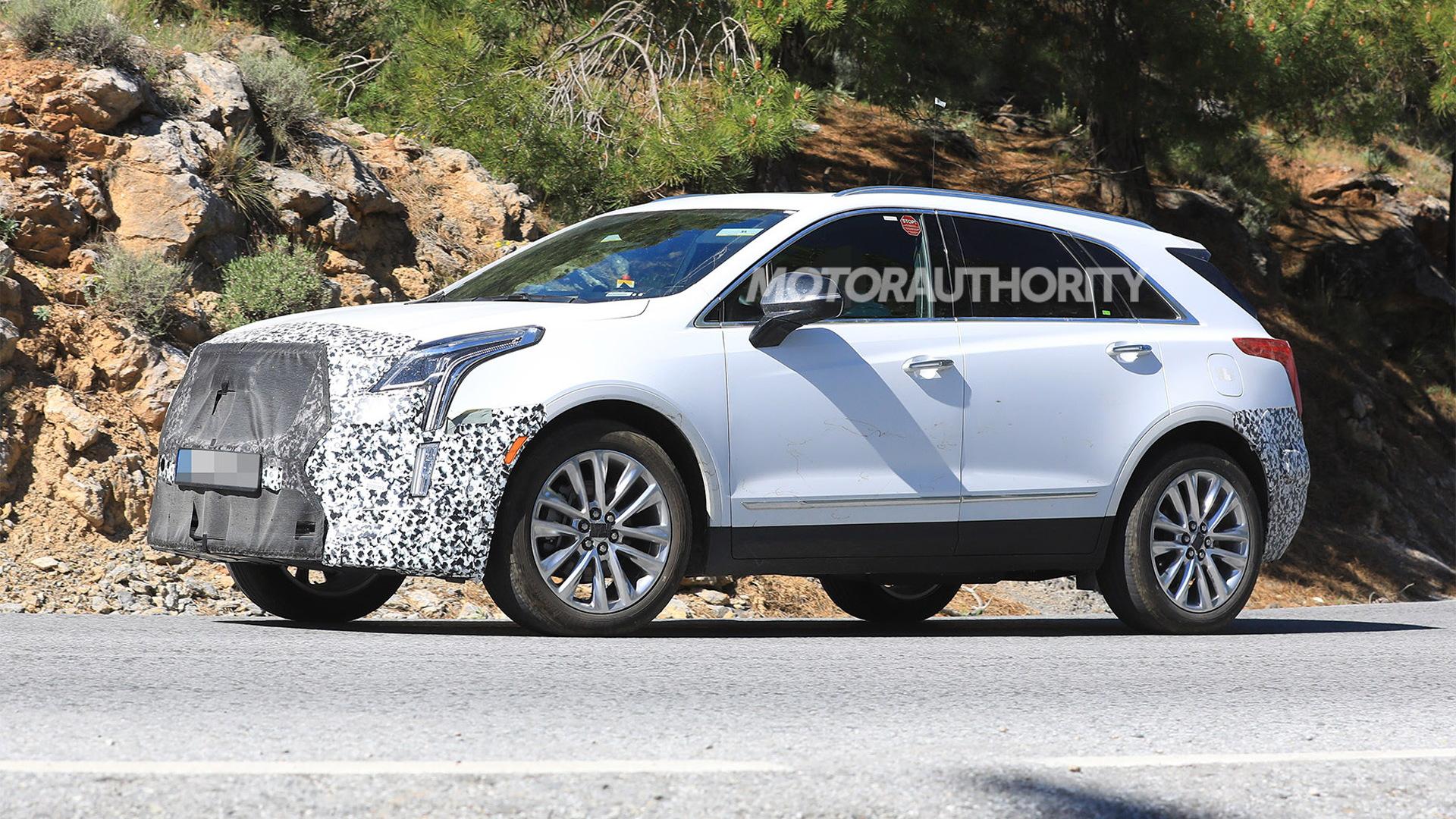 2020 Cadillac XT5 facelift spy shots - Image via S. Baldauf/SB-Medien
