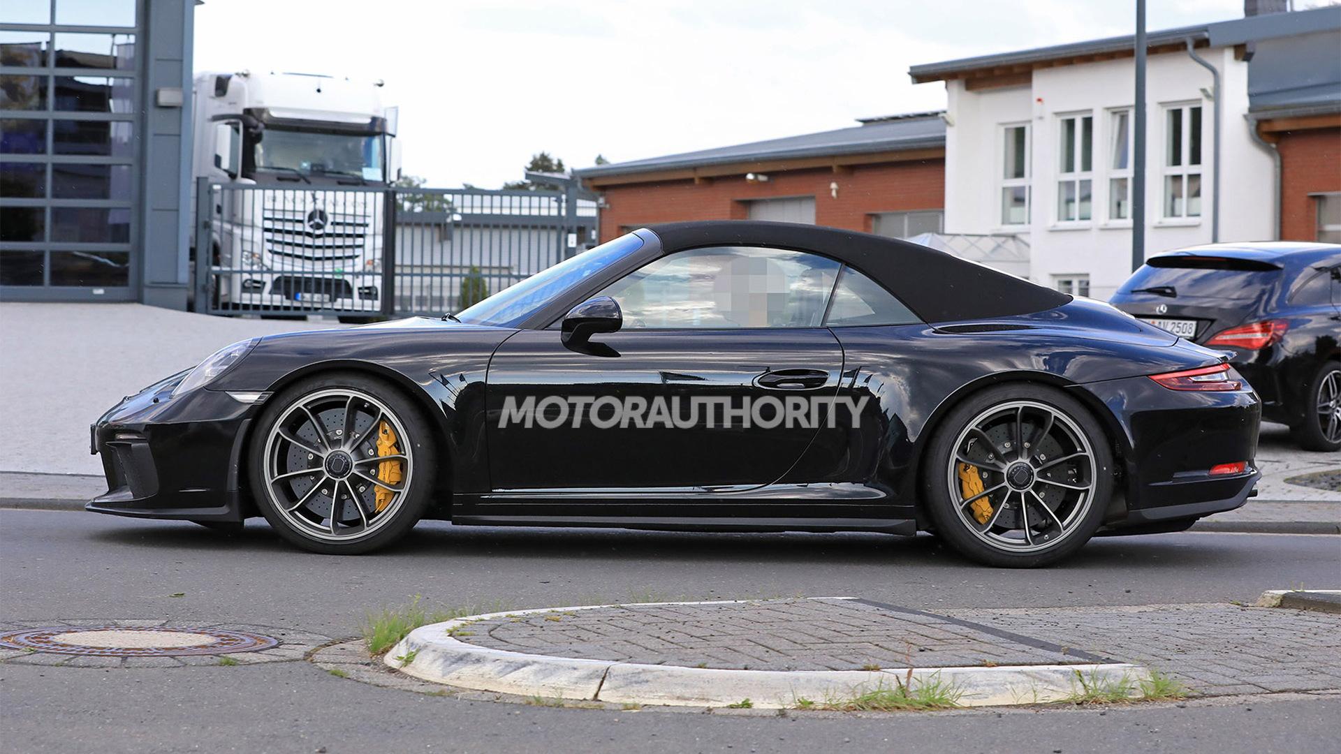 2019 Porsche 911 GT3 Touring Cabriolet spy shots - Image via S. Baldauf/SB-Medien