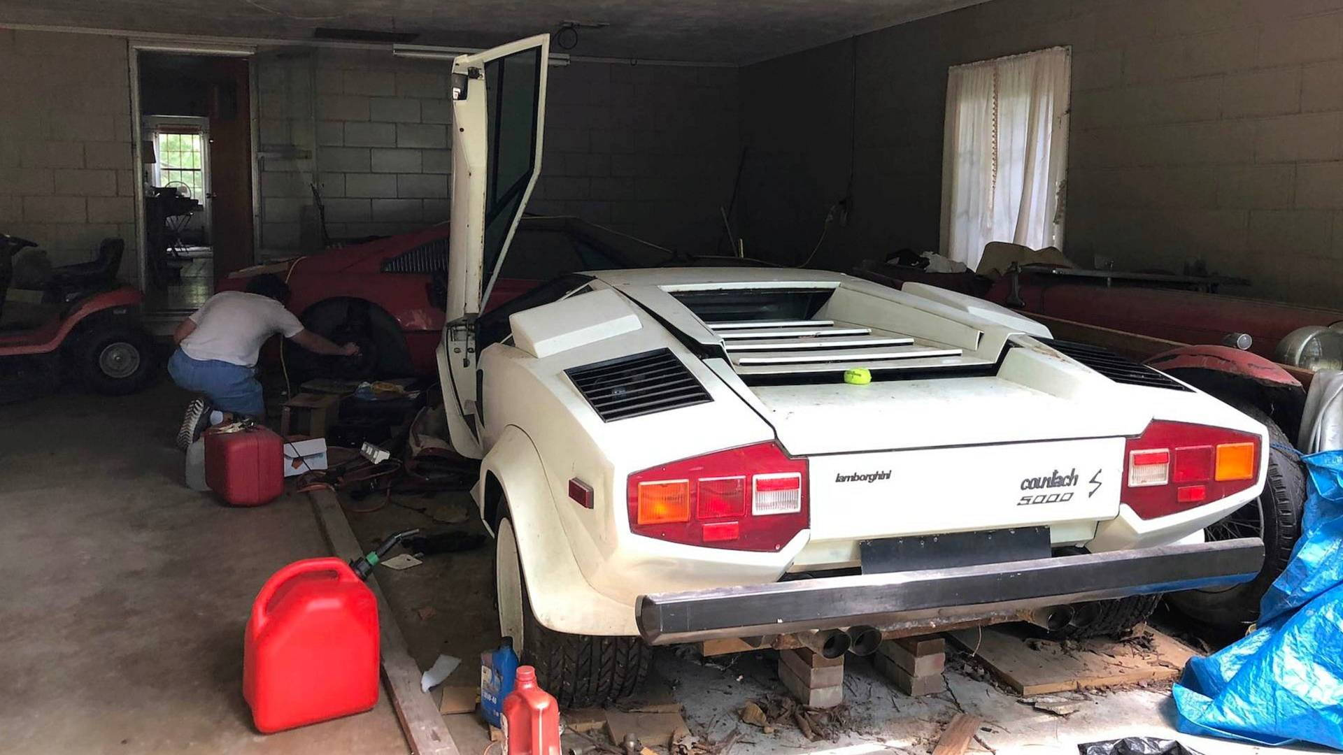 Neglected Lamborghini Countach Gathering Dust In Grandma S Garage