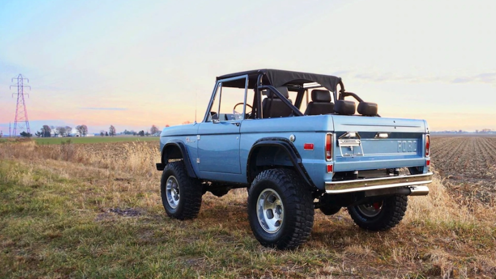 First-generation Ford Bronco recreation by Gateway Bronco