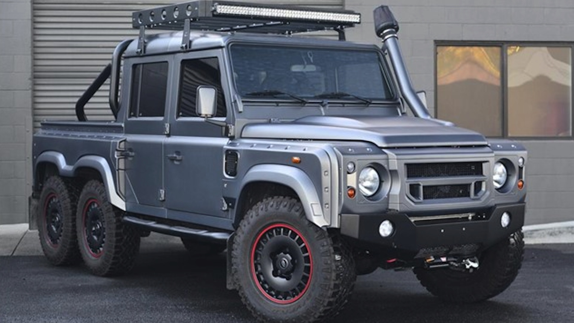 Land Rover Defender-based 6x6 SUV