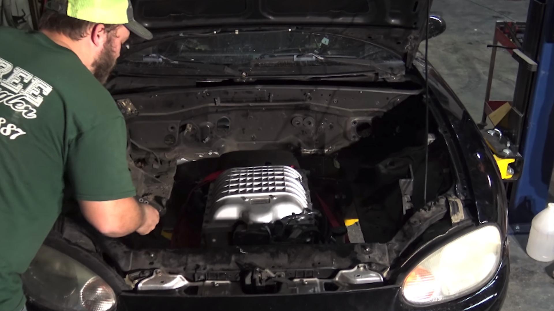Mazda MX-5 Miata Hellcat engine swap