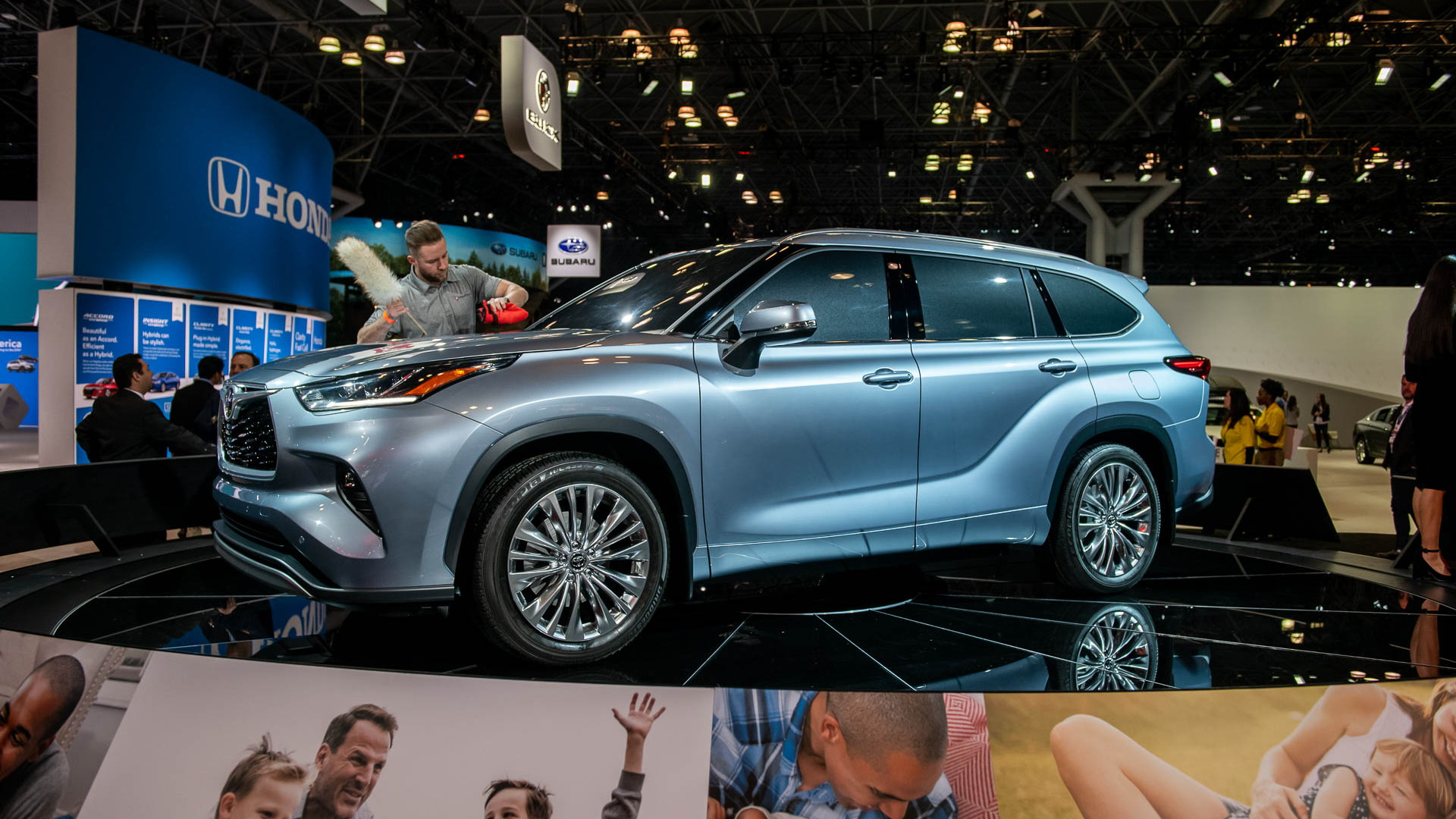 Toyota Reveals Bigger Bolder 2020 Highlander