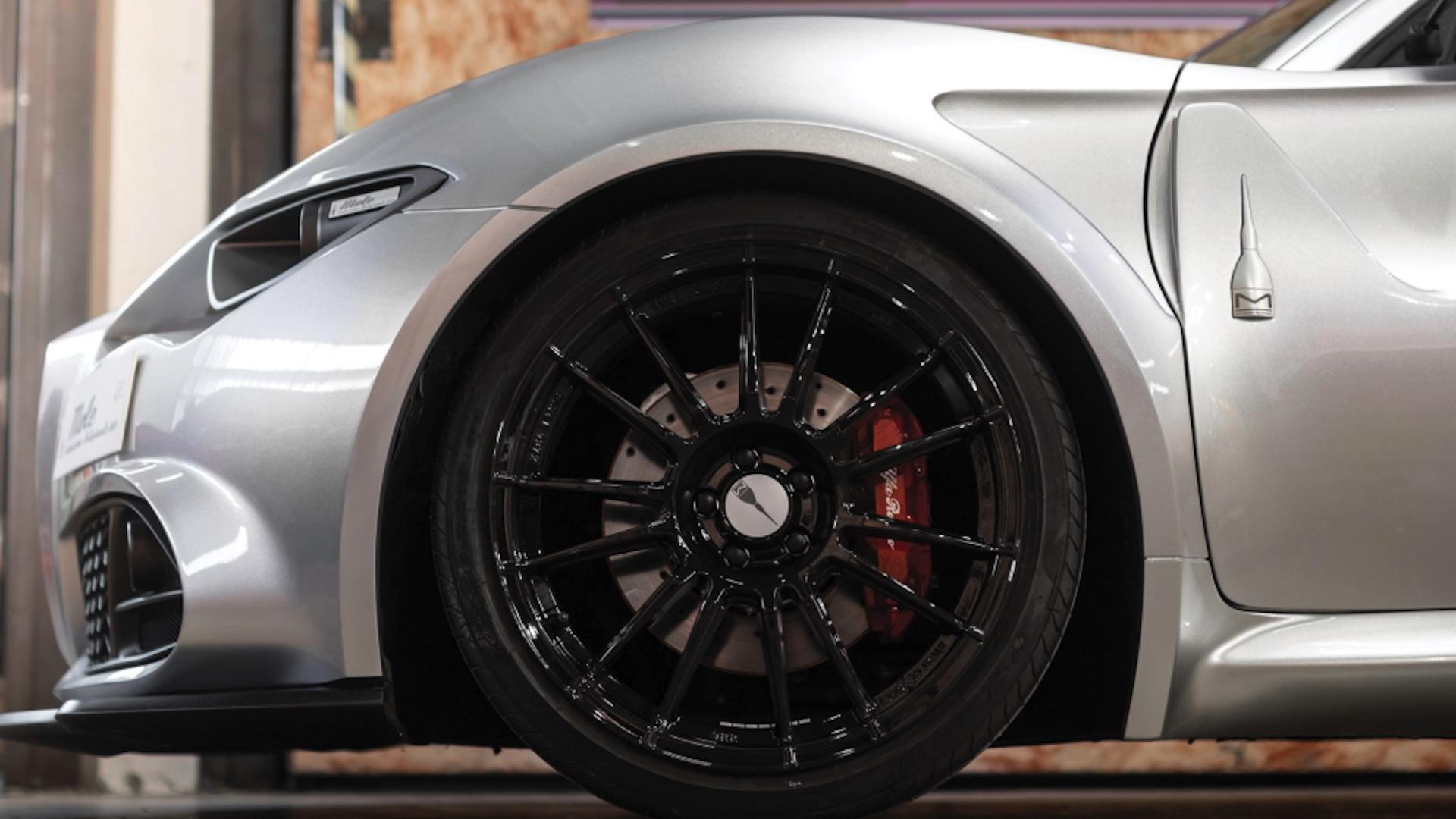 Mole coachbuilt Alfa Romeo 4C