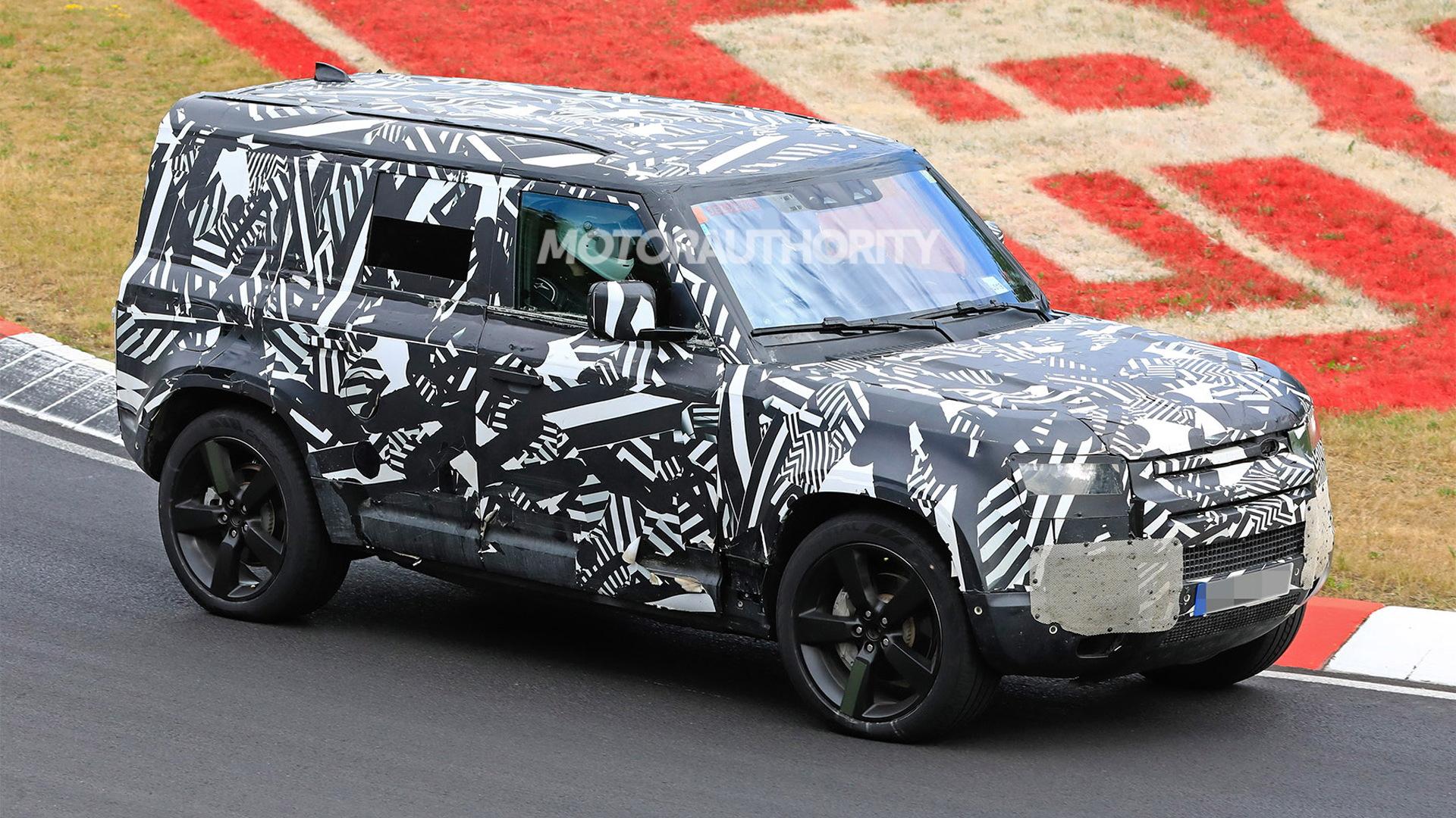 2020 Land Rover Defender 110 spy shots - Image via S. Baldauf/SB-Medien