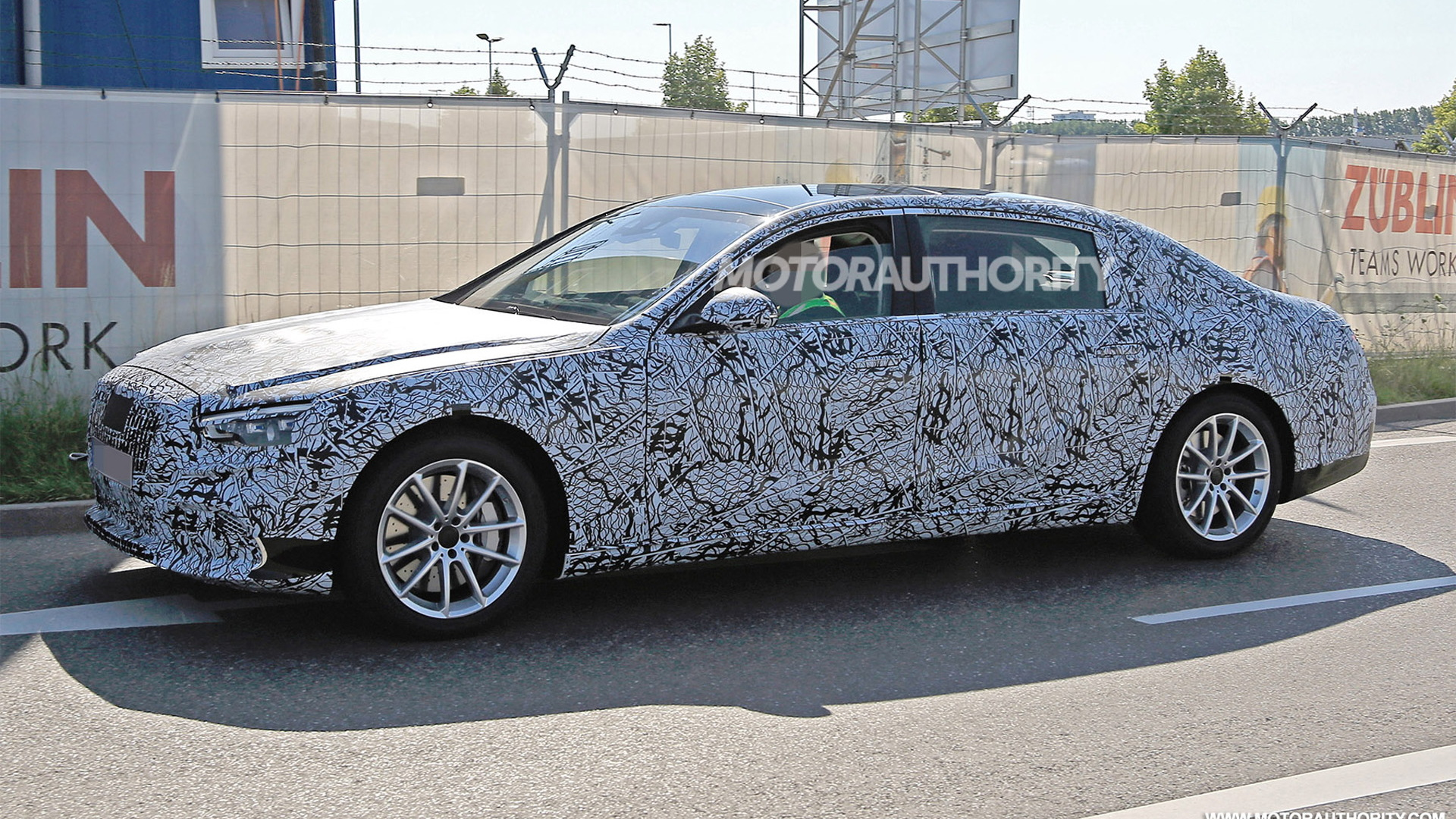 2021 Mercedes-Maybach S-Class spy shots - Image via S. Baldauf/SB-Medien