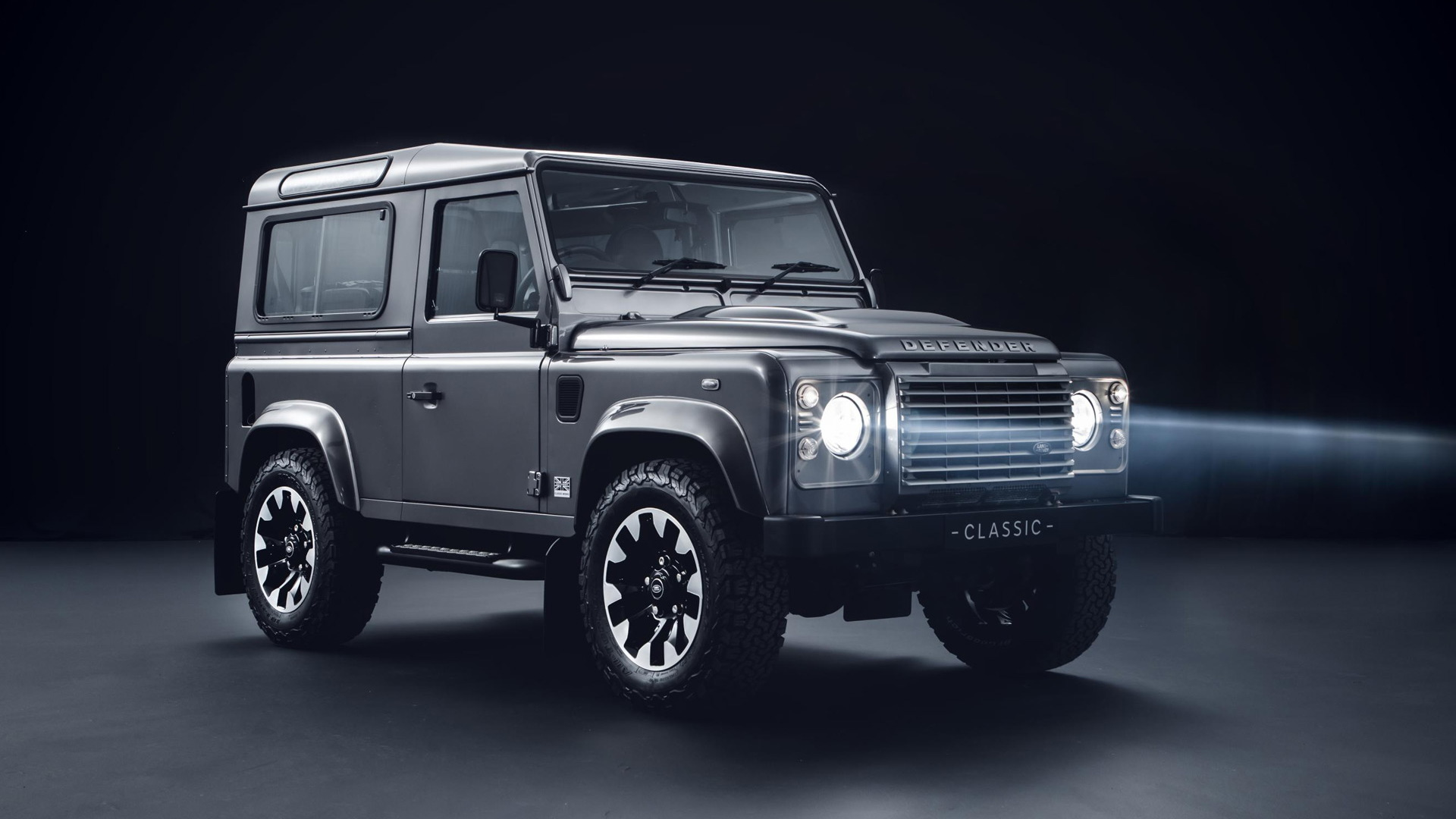 Land Rover Defender 90 with Land Rover Classic upgrades
