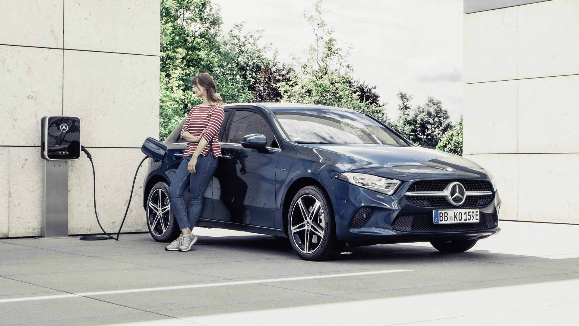 2019 Mercedes-Benz A250e hatchback