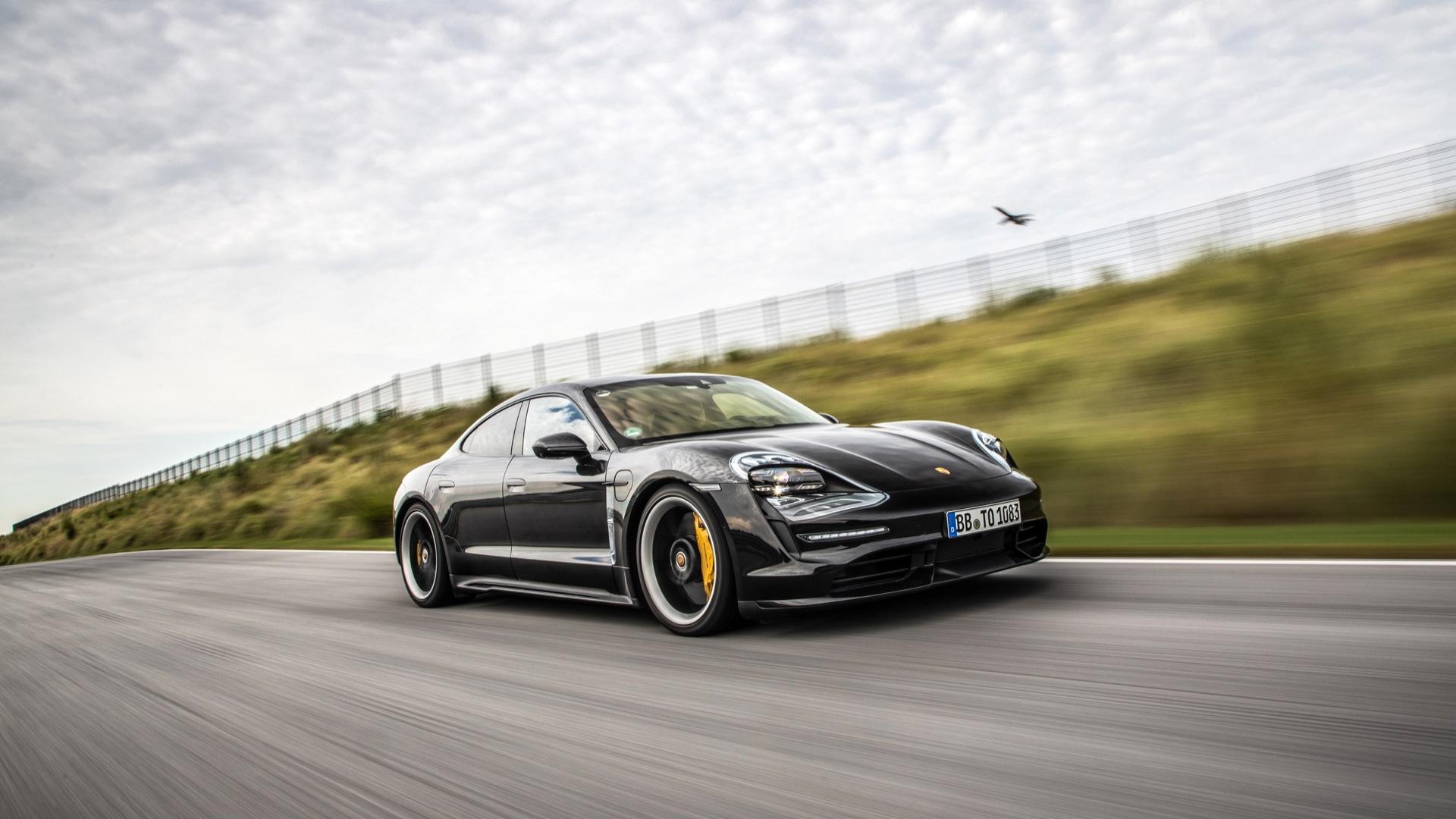 2020 Porsche Taycan preview