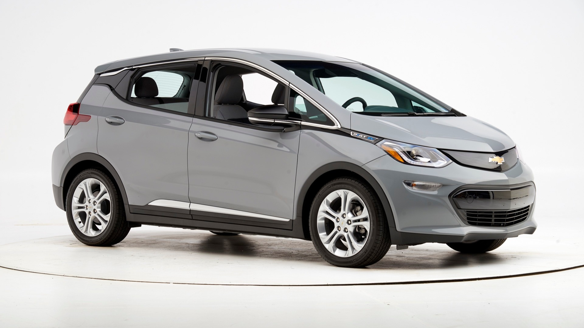 2019 Chevrolet Bolt EV  -  IIHS passenger-side small overlap front test
