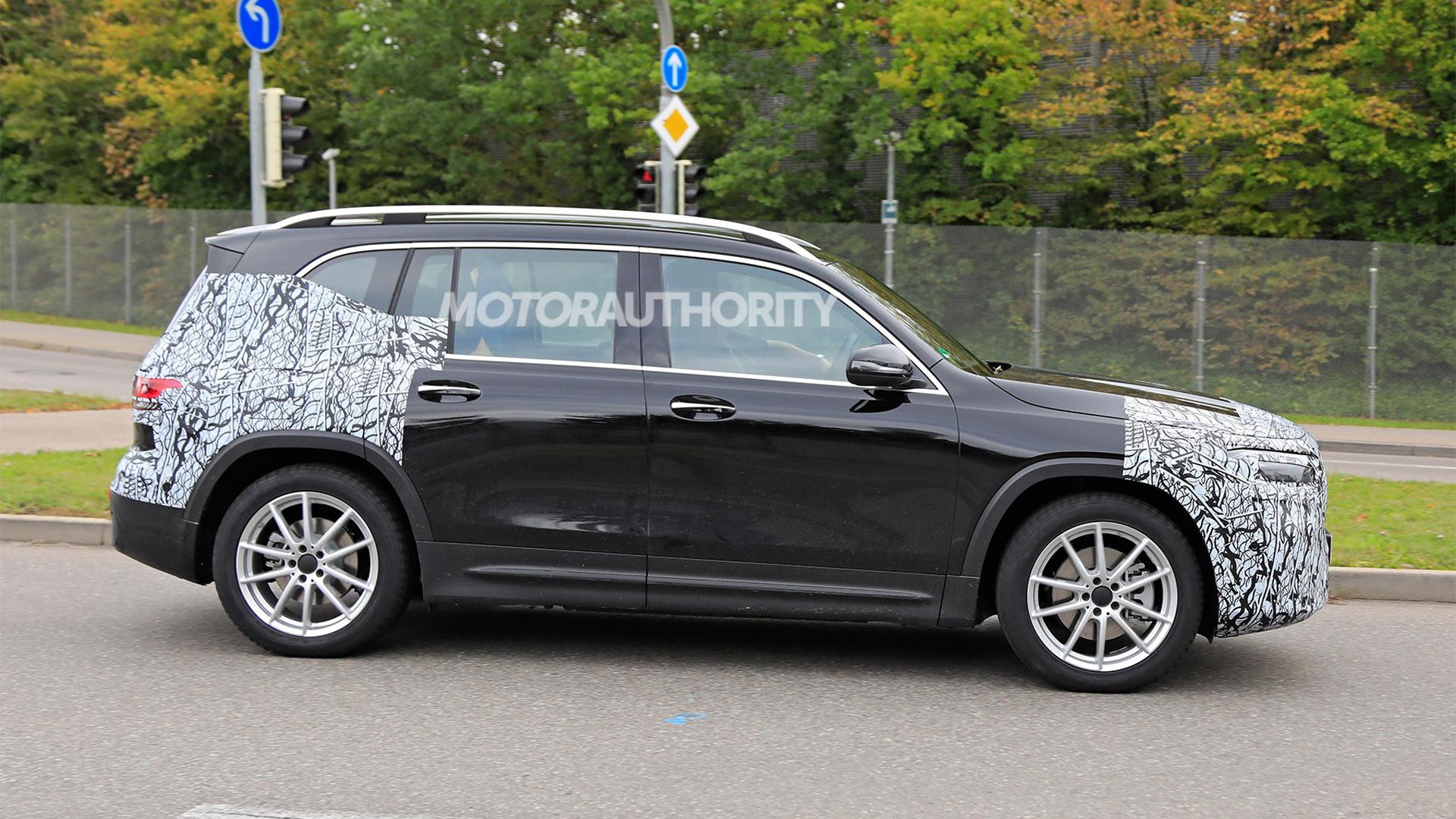 2021 Mercedes-Benz EQB spy shots - Photo credit: S. Baldauf/SB-Medien