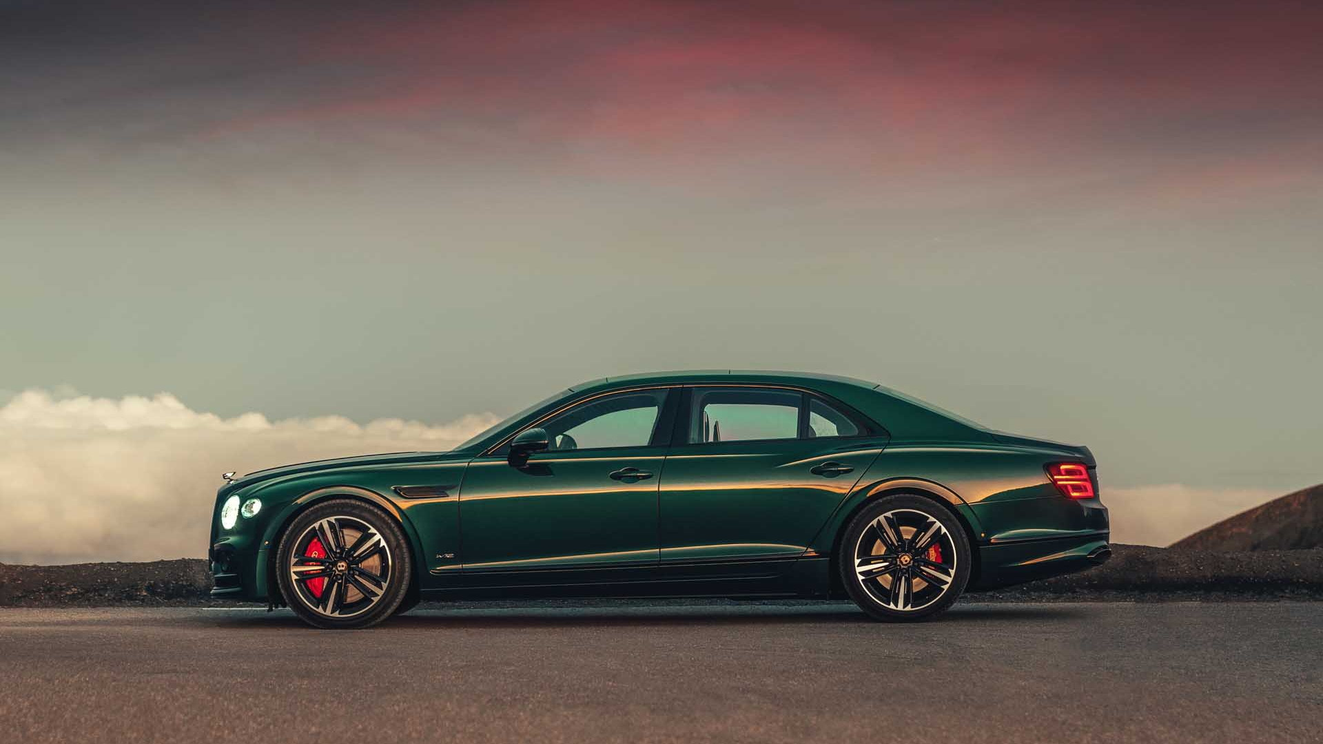 2020 Bentley Flying Spur Is Sporty And Stately In A Single Package