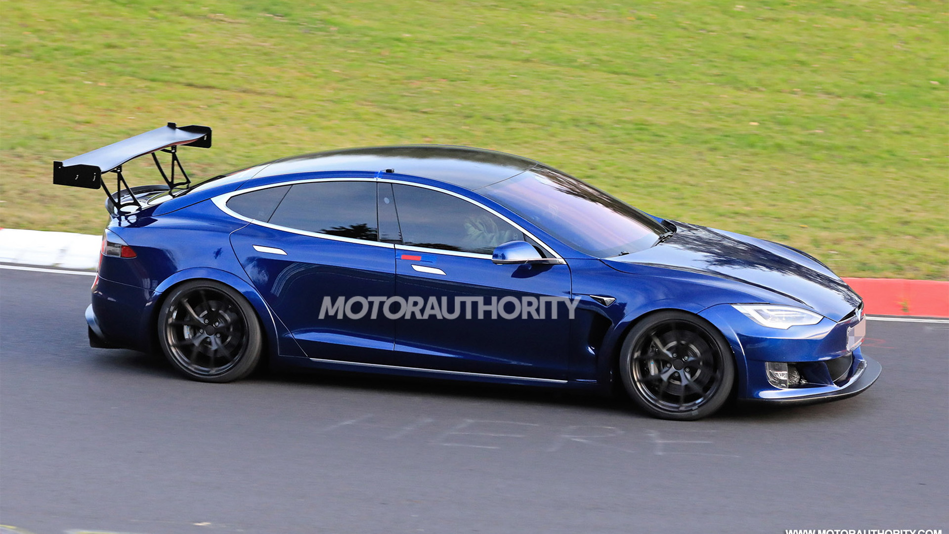 Tesla Model S Plaid spy shots - Photo credit: S. Baldauf/SB-Medien