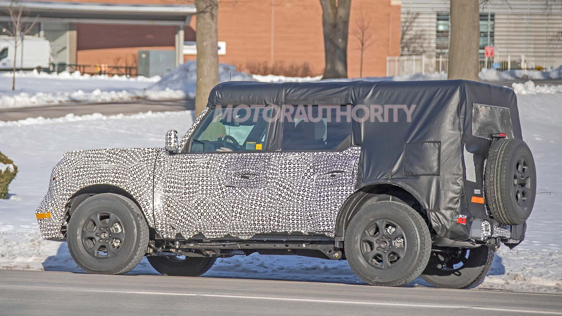 2021 Ford Bronco spy shots