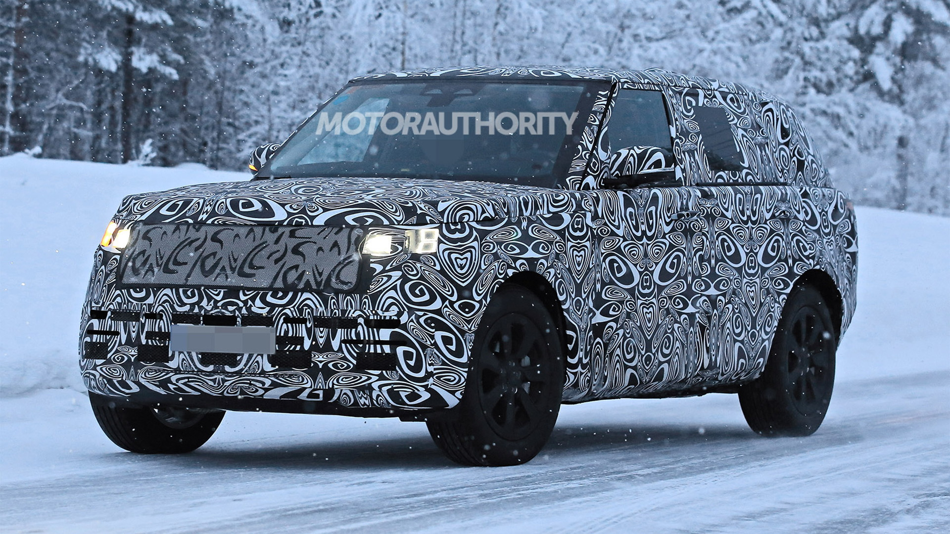 2022 Land Rover Range Rover Long Wheelbase spy shots - Photo credit: S. Baldauf/SB-Medien