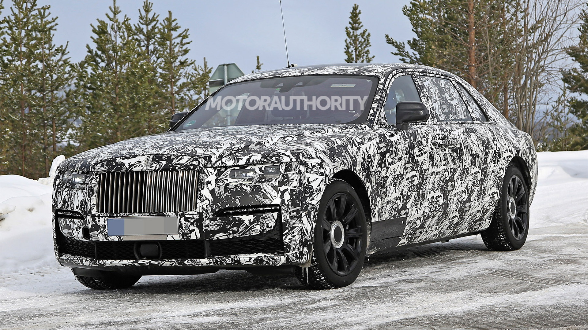 2021 Rolls-Royce Ghost Extended Wheelbase spy shots - Photo credit: S. Baldauf/SB-Medien