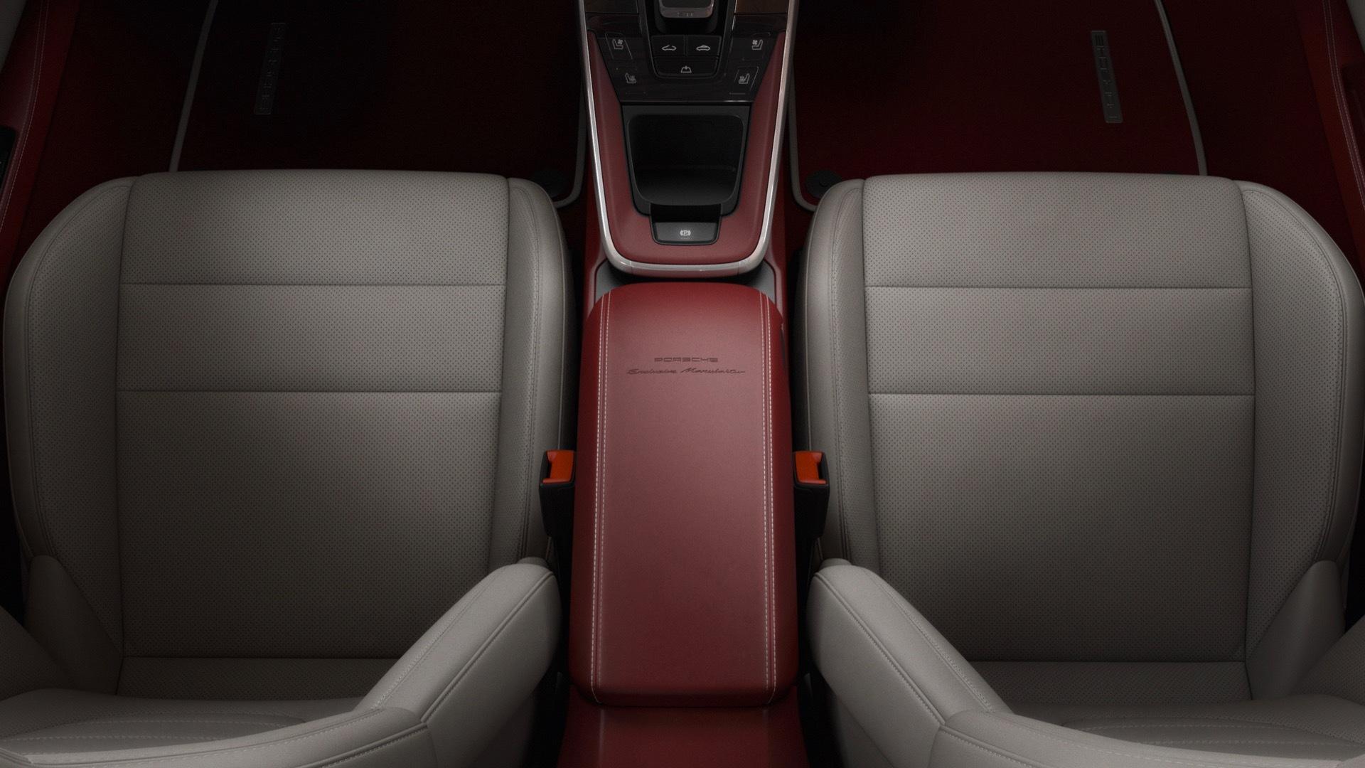 Porsche 911 992 two-tone interior