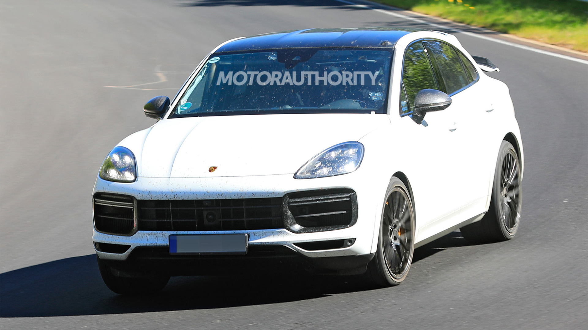 2022 Porsche Cayenne GTS Coupe spy shots - Photo credit: S. Baldauf/SB-Medien