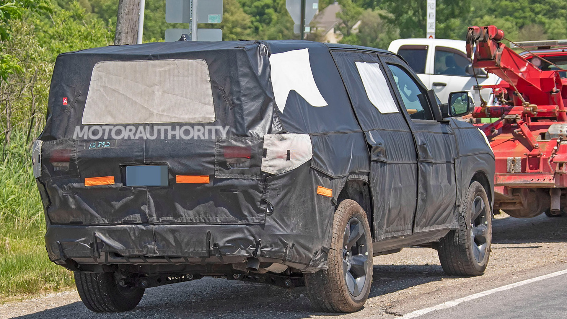 2022 Jeep Wagoneer spy shots - Photo credit:S. Baldauf/SB-Medien