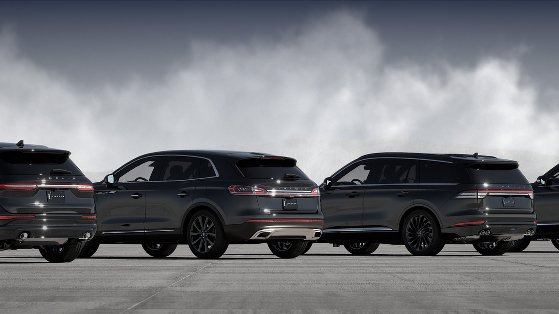 Lincoln SUV lineup with Monochromatic Package