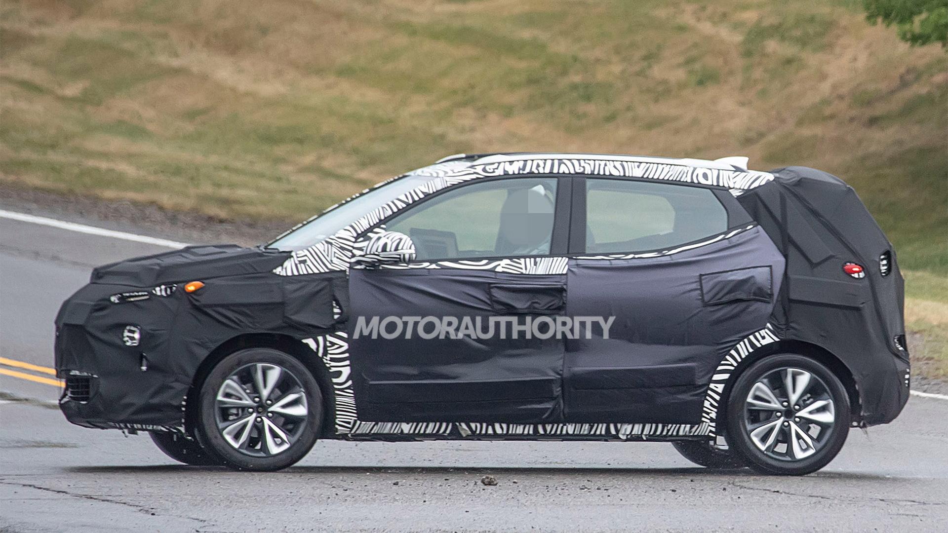 2022 Chevrolet Bolt EUV spy shots - Photo credit:S. Baldauf/SB-Medien