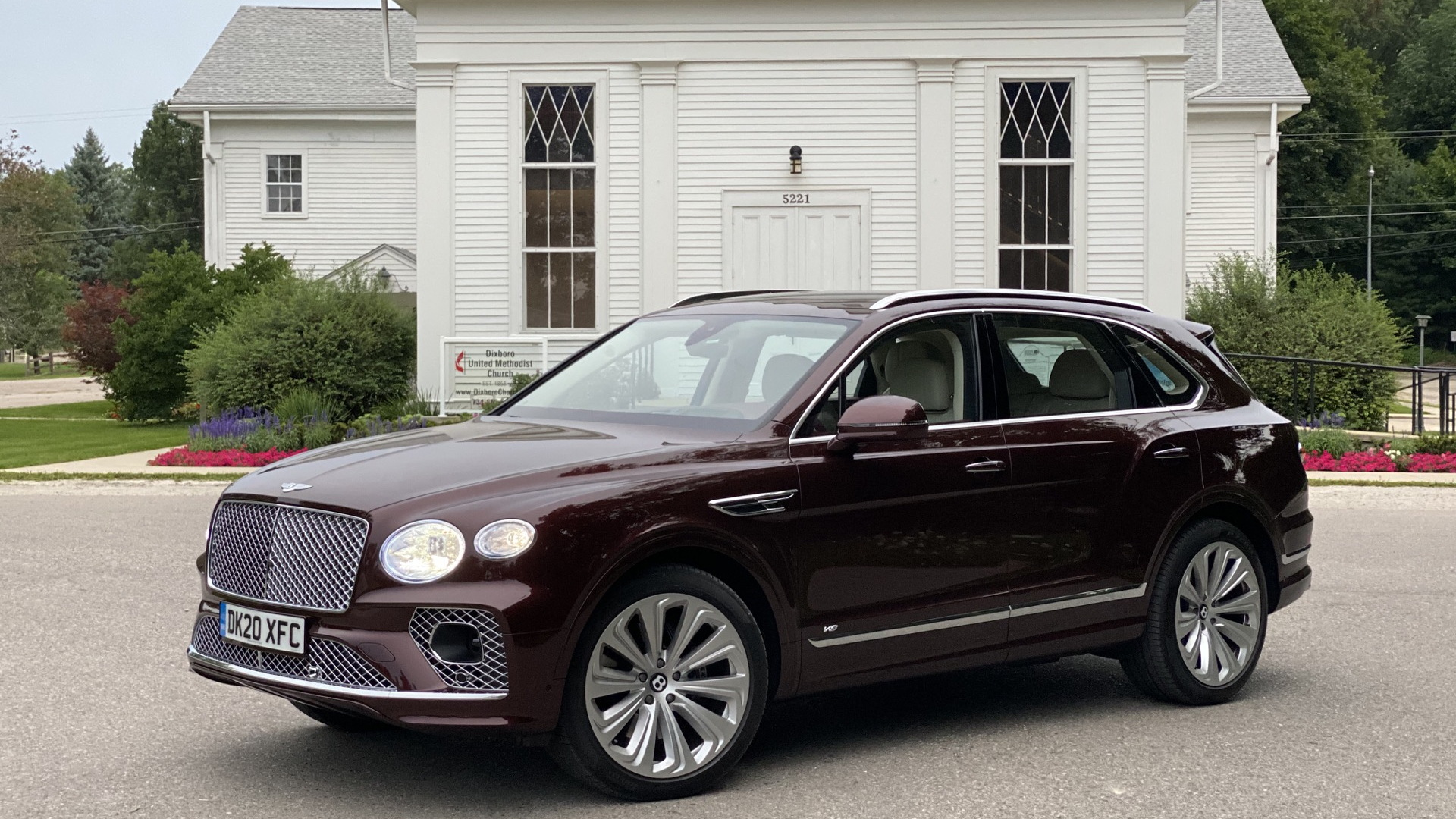 First Drive Review 2021 Bentley Bentayga Suv Adds It Up