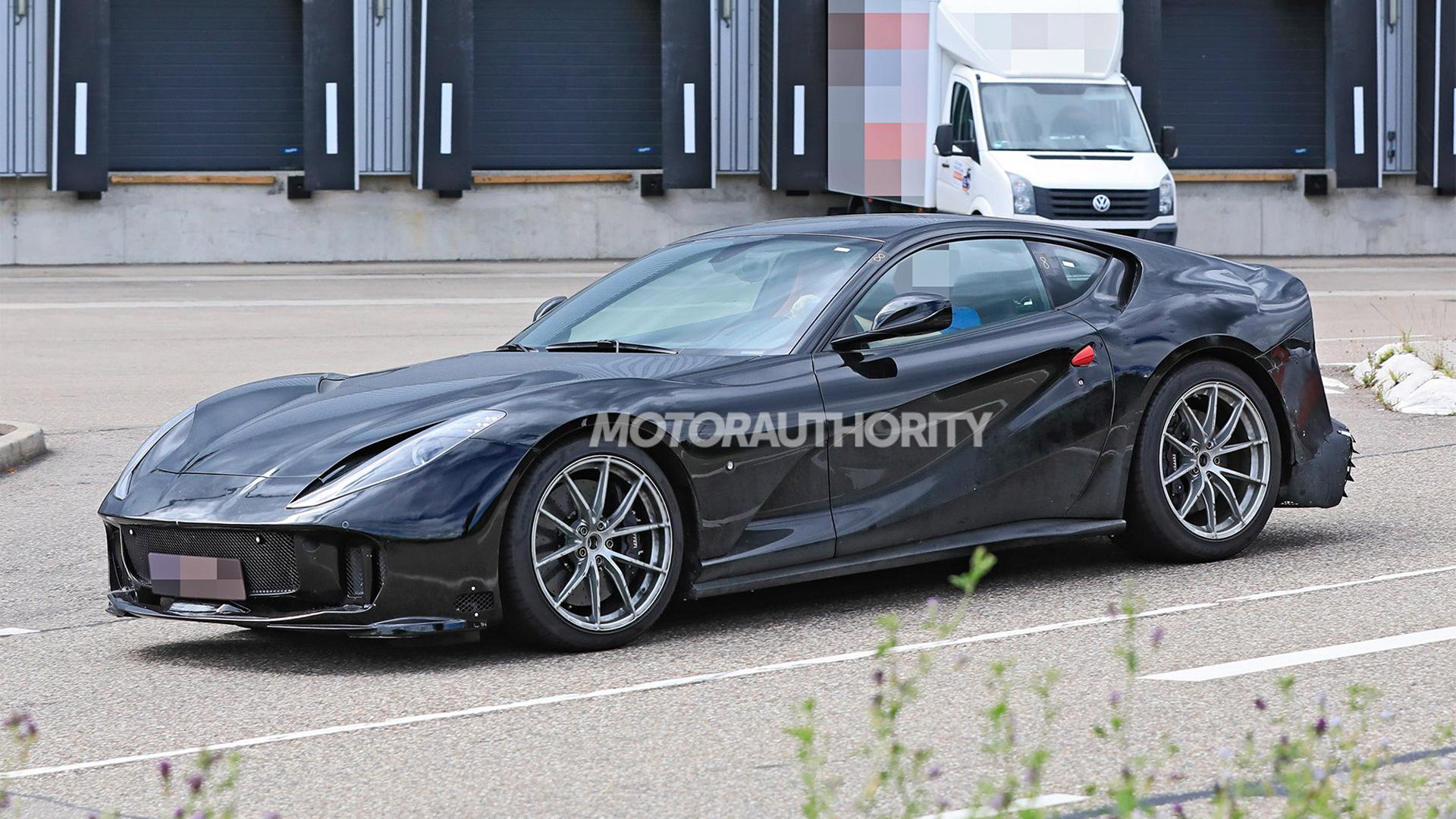 2022 Ferrari 812 GTO spy shots - Picture credit:S. Baldauf/SB-Medien