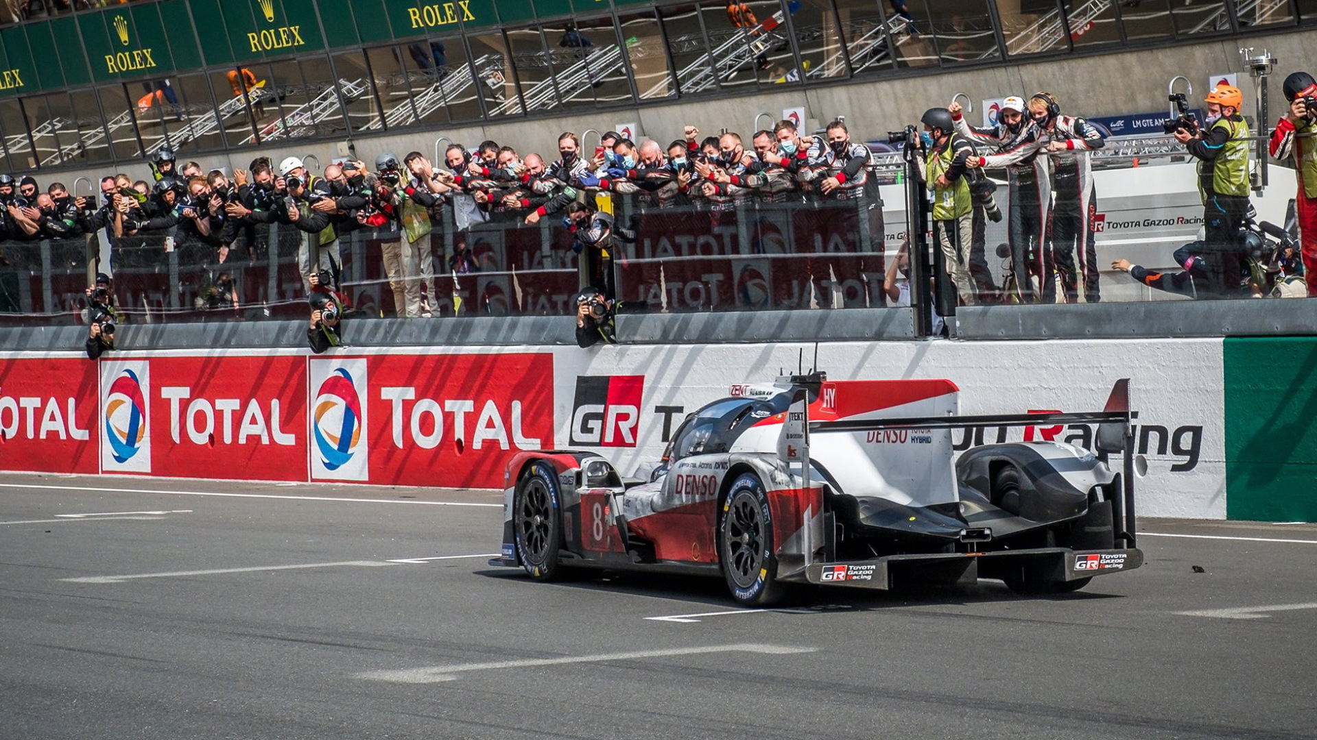 No. 8 Toyota TS050 Hybrid LMP1 at the 2020 24 Hours of Le Mans