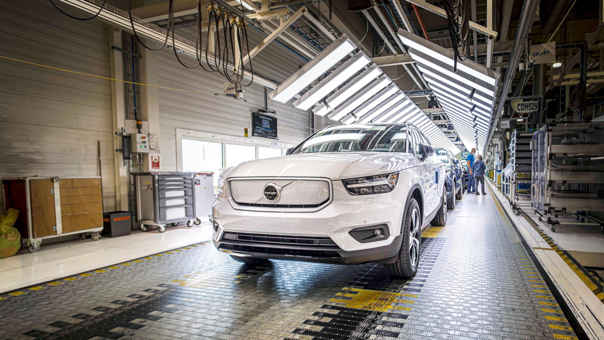 2021 Volvo XC40 Recharge goes into production