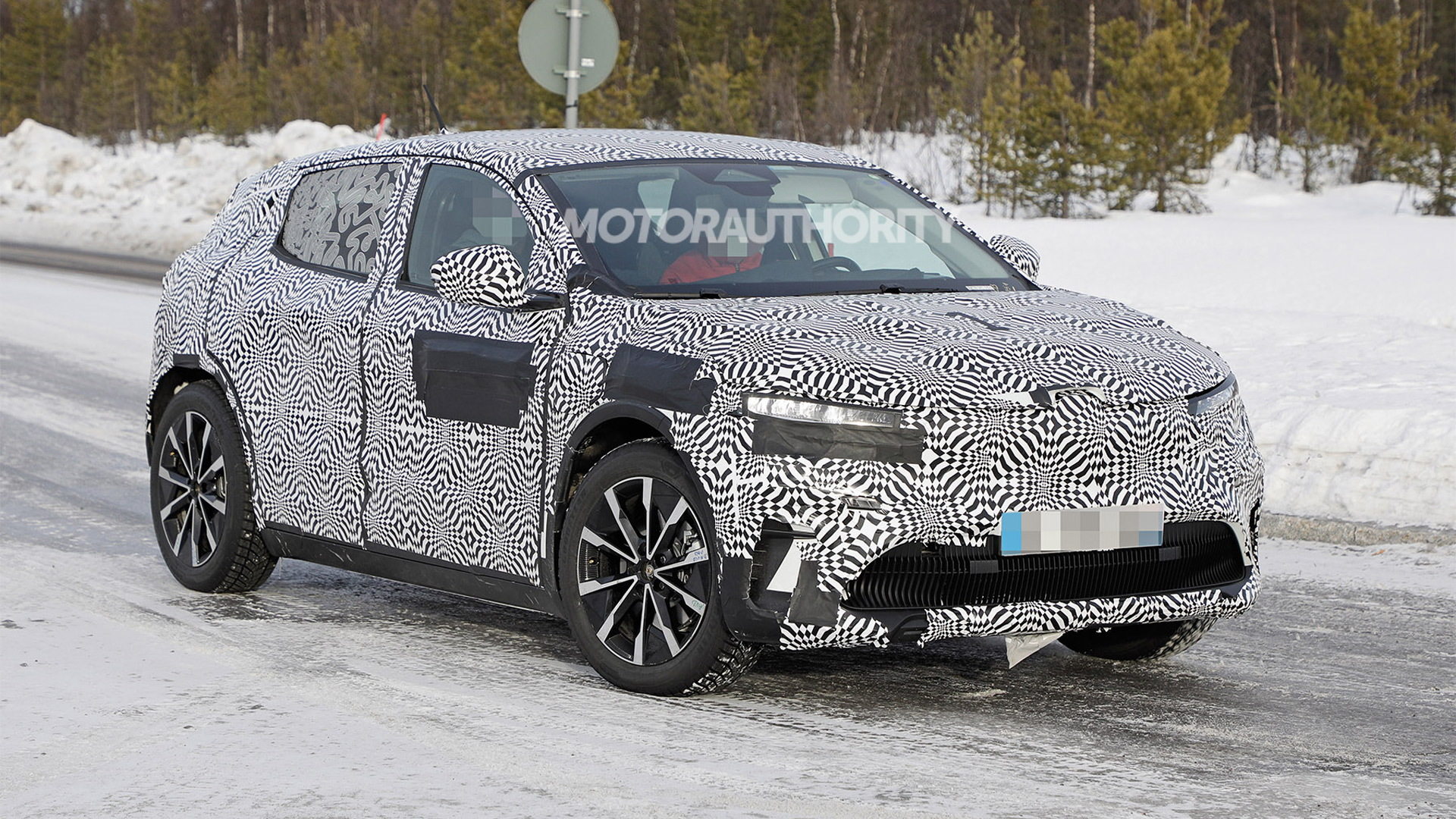 2022 Renault Megane electric crossover spy shots - Photo credit:S. Baldauf/SB-Medien