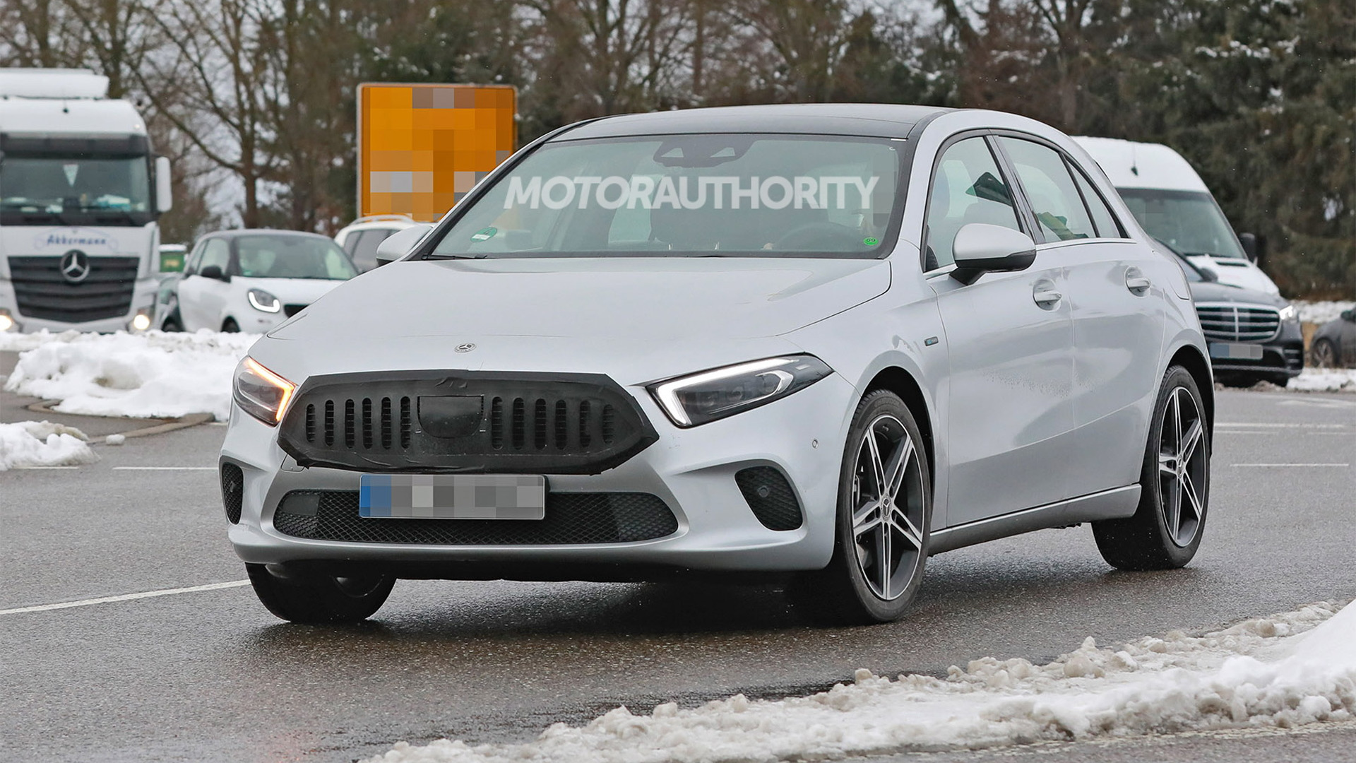 2023 Mercedes-Benz A-Class hatchback facelift spy shots - Photo credit:S. Baldauf/SB-Medien