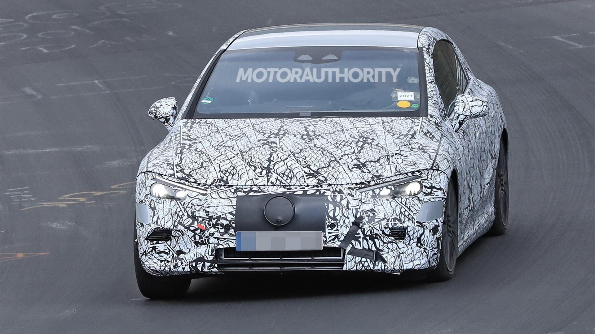 2022 Mercedes-Benz EQE spy shots - Photo credit:S. Baldauf/SB-Medien