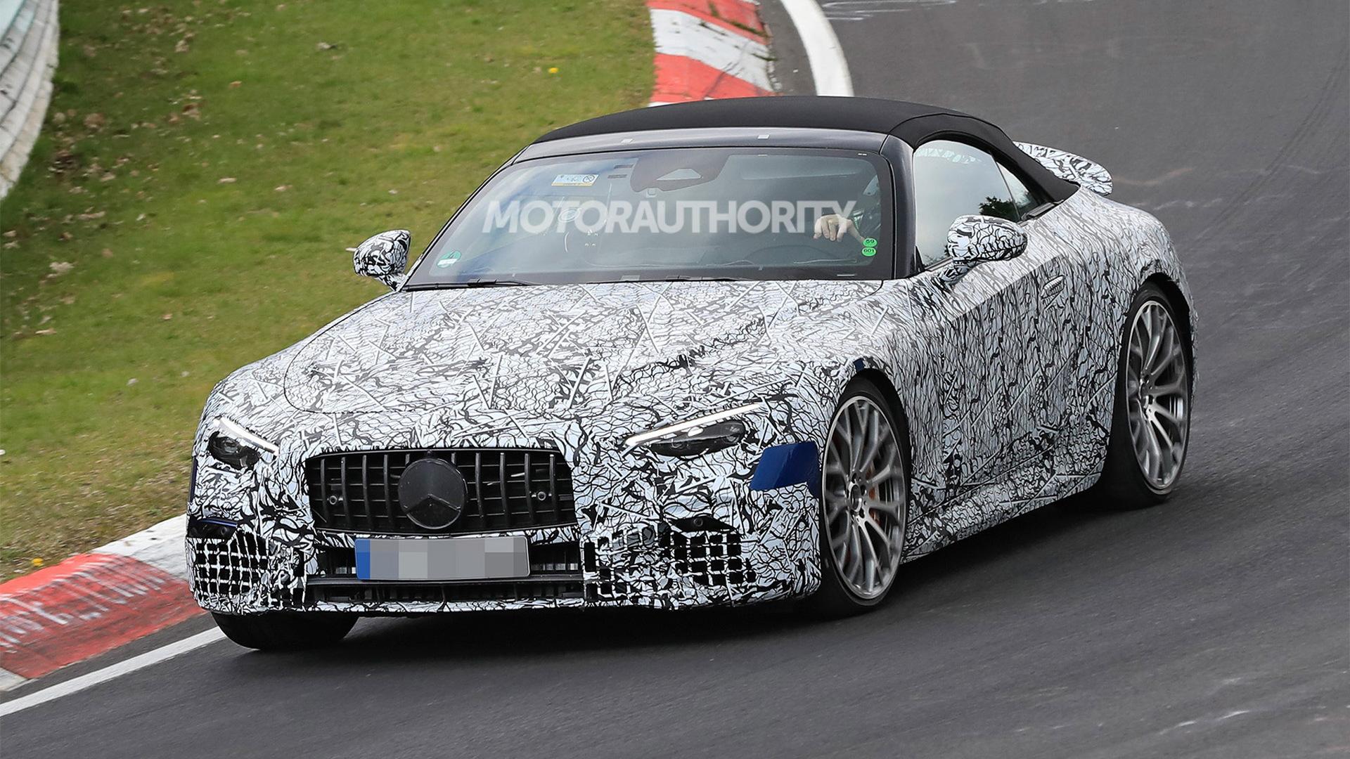 2022 Mercedes-Benz AMG SL Roadster spy shots - Photo credit:S. Baldauf/SB-Medien