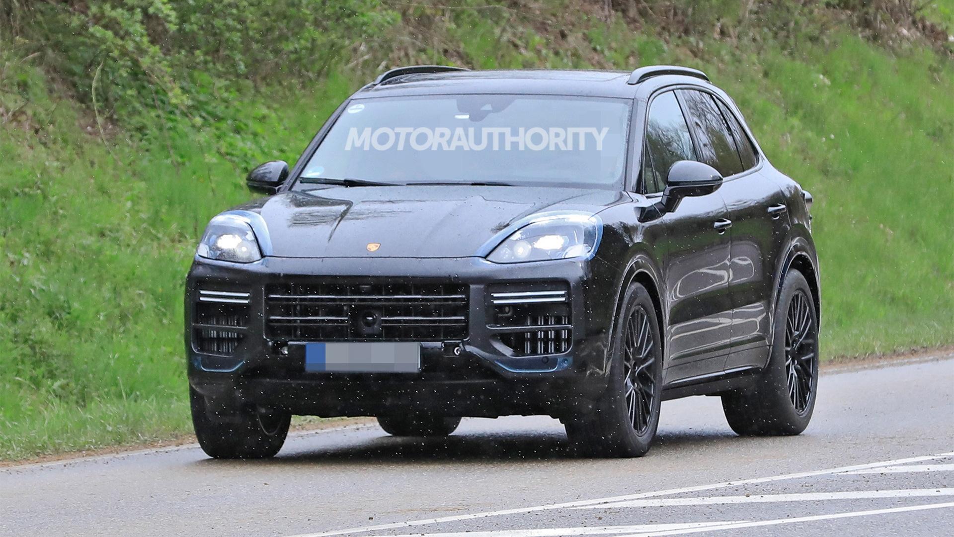 2023 Porsche Cayenne facelift spy shots - Photo credit:S. Baldauf/SB-Medien
