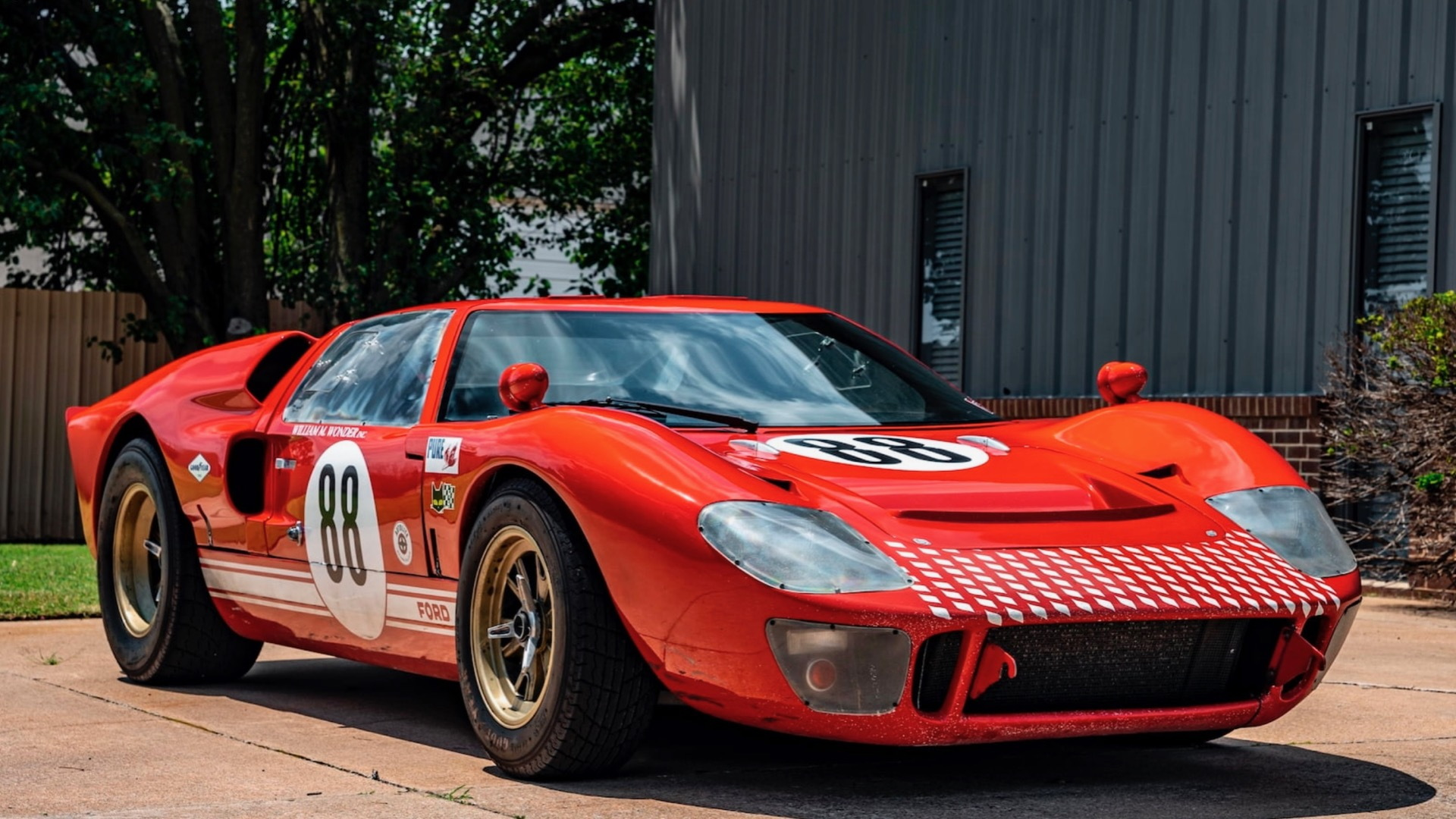"""1966 Race Car Replicas Ford GT40 used in """"Ford v. Ferrari"""" (photo via Mecum Auctions)"""