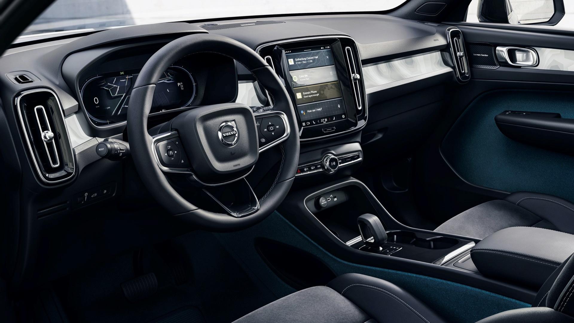 2022 Volvo C40 interior