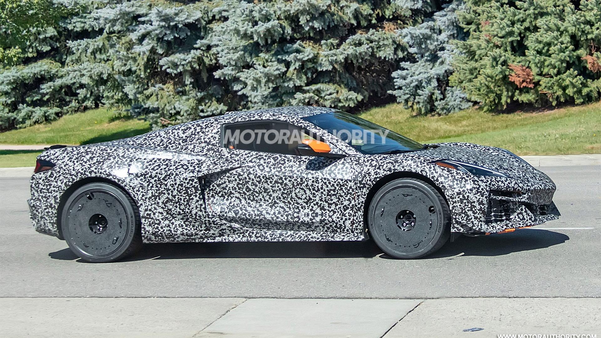 2023 Chevrolet Corvette Z06 Convertible spy shots - Photo credit:S. Baldauf/SB-Medien